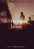 """Portada del libro """"Stranger love"""""""